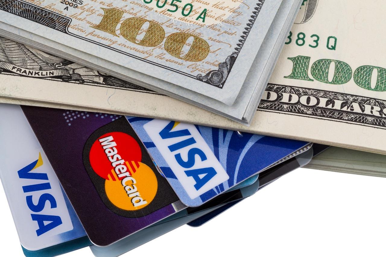 Кредит наличными или кредитная карта, что выбрать?