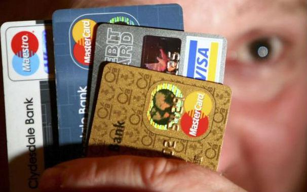 С карточки украли деньги, что делать и как вернуть украденную сумму