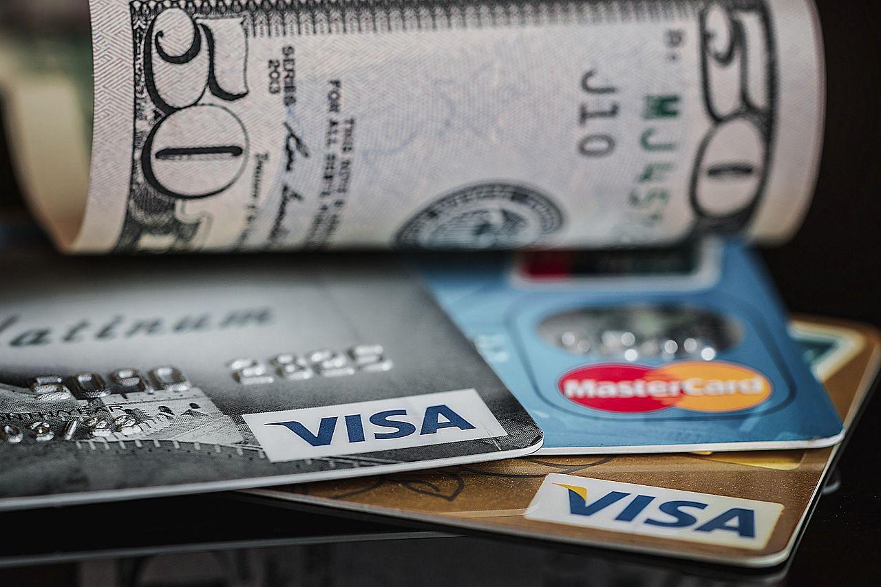 Газпромбанк предложил своим клиентам погашать проценты по кредиту кэшбэком